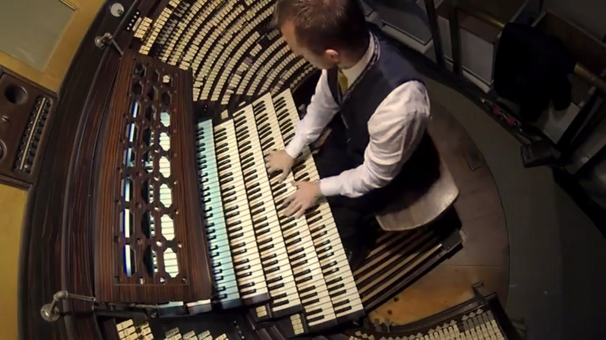 Earth S Largest Pipe Organ